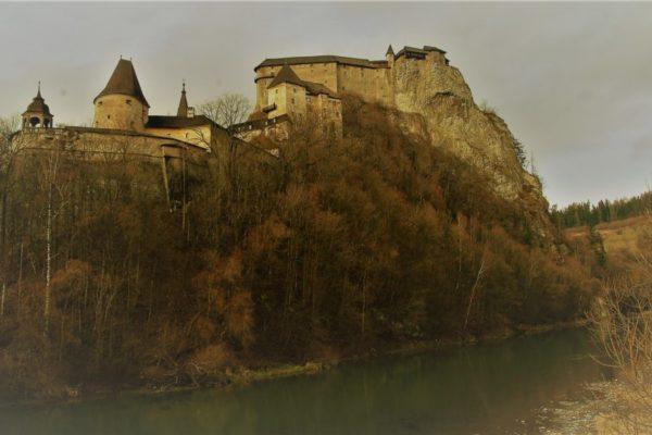 Il castello di Arva
